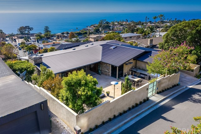 325 Weymouth Place, Laguna Beach, CA 92651