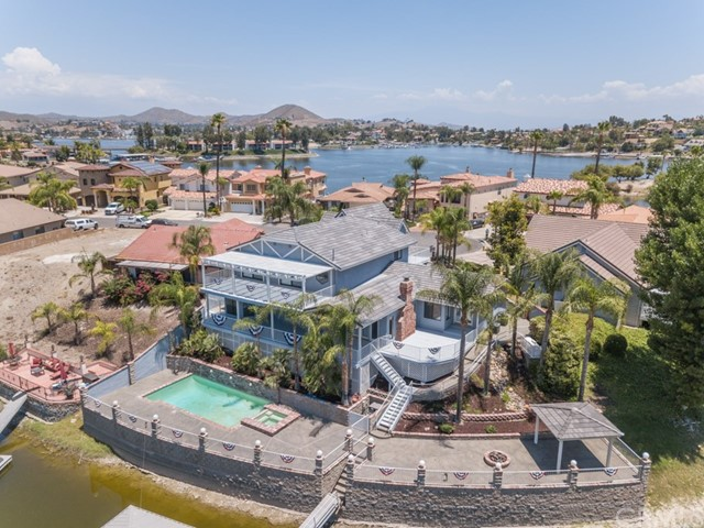 21975 Strawberry Lane, Canyon Lake, CA 92587