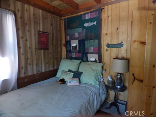 33219 Juniper Ln, Green Valley Lake, CA 92341 Photo 14