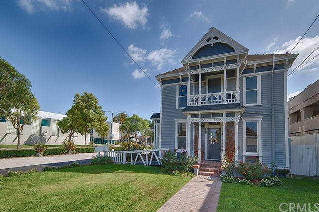 1108 W 5th Street, Santa Ana, CA 92703