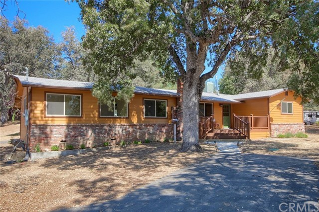42967 Country Club Drive E, Oakhurst, CA 93644