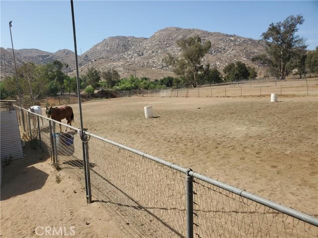 22133 Big Timber rd Road, Moreno Valley CA: https://media.crmls.org/medias/13b2600c-a846-49c4-a896-a01fa7c1cf3f.jpg