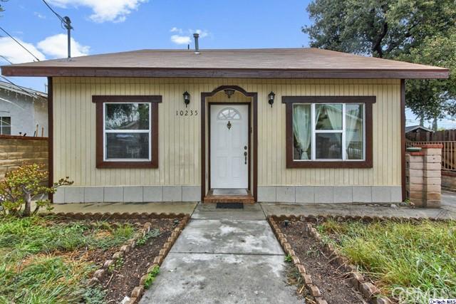 10235 Whitegate Avenue, Sunland, CA 91040