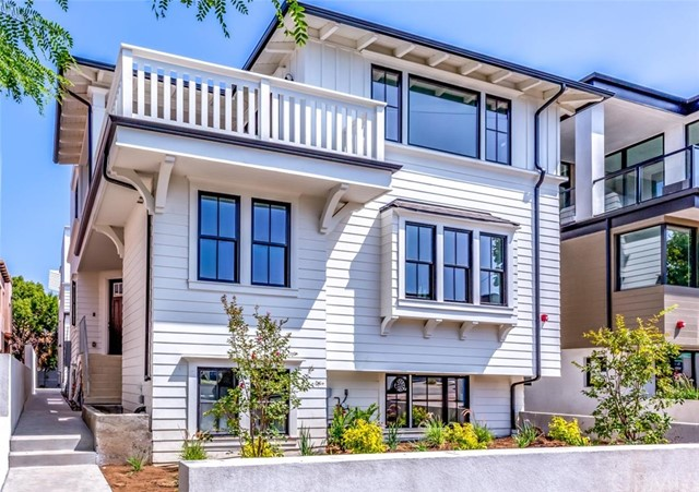 933 15th Street, Hermosa Beach, California 90254, 4 Bedrooms Bedrooms, ,5 BathroomsBathrooms,For Sale,15th,SB20163870