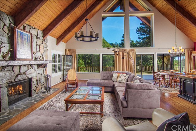 231 S Fairway Drive, Lake Arrowhead, CA 92352