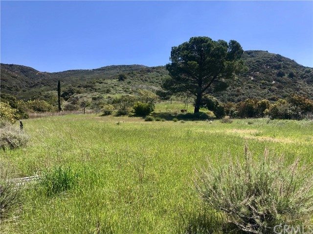 20 North Main Divide Road, Silverado Canyon, CA 92676