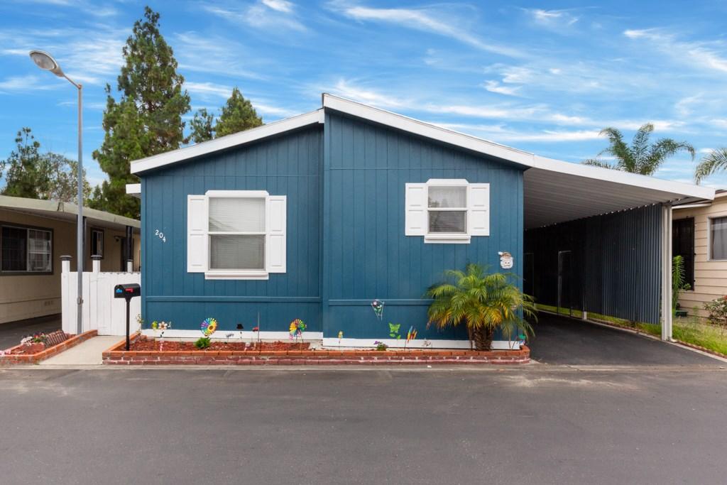 204 Green Drive, Santa Ana, CA 92703