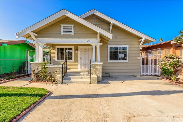 1305 W 51st Place, Los Angeles, CA 90037