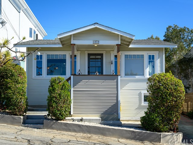 1212 Ocean Drive, Hermosa Beach, California 90254, 1 Bedroom Bedrooms, ,1 BathroomBathrooms,For Rent,Ocean,SB21018540
