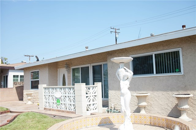 2218 Cowlin Avenue, Commerce, CA 90040
