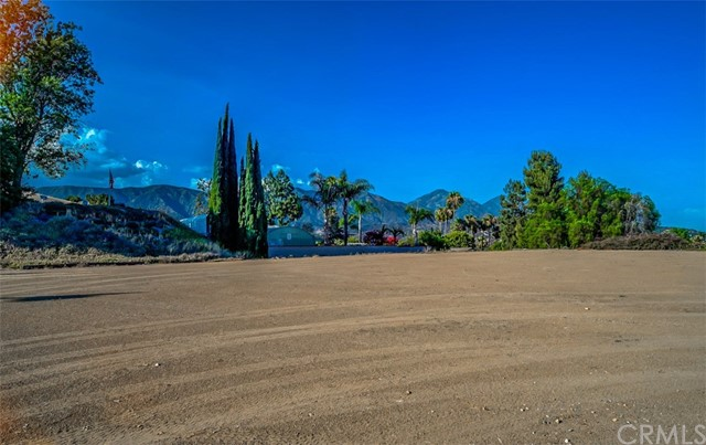 327 Saddlehorn, La Verne, CA 91750 Photo 20