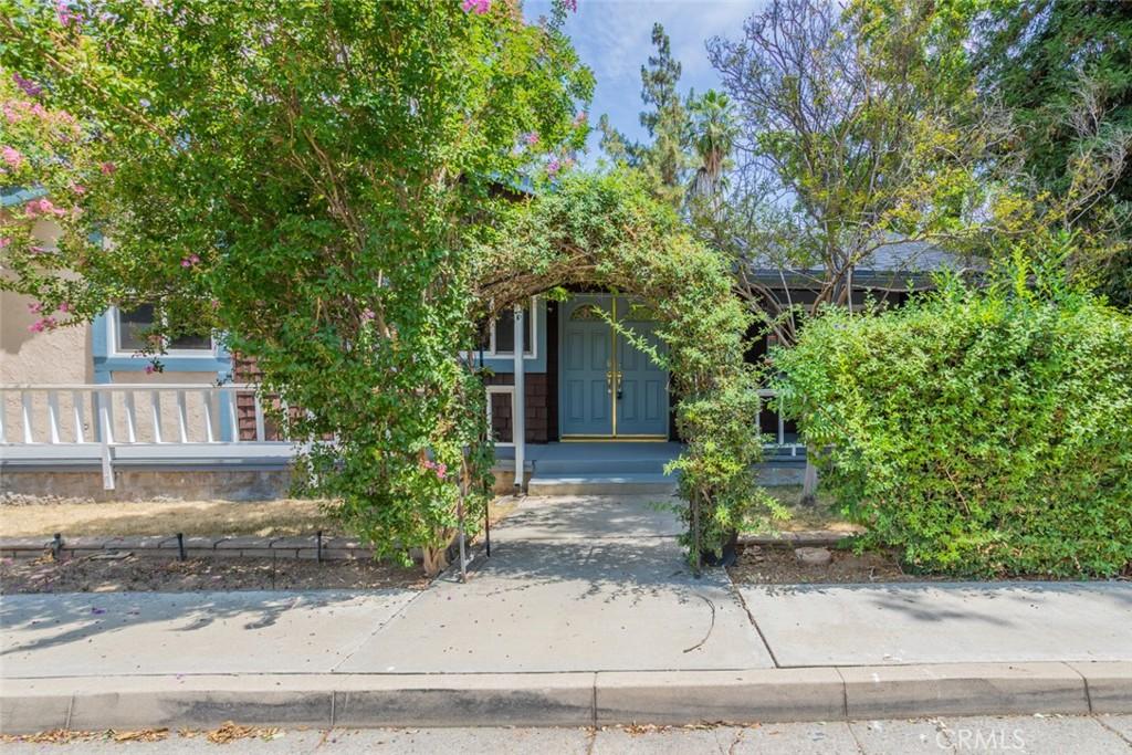 1375     Monterey Street, Redlands CA 92373