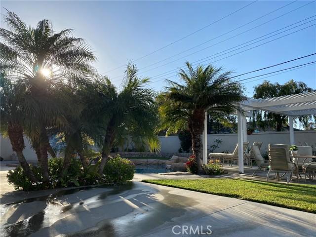 58. 2016 Calvert Avenue Costa Mesa, CA 92626