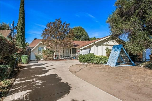 9833 Danube Avenue, North Hills, CA 91343