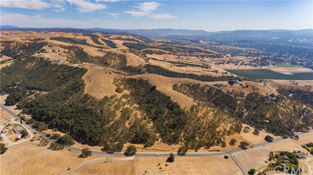 Property for sale at 3725 Ea Hwy 41, Templeton,  California