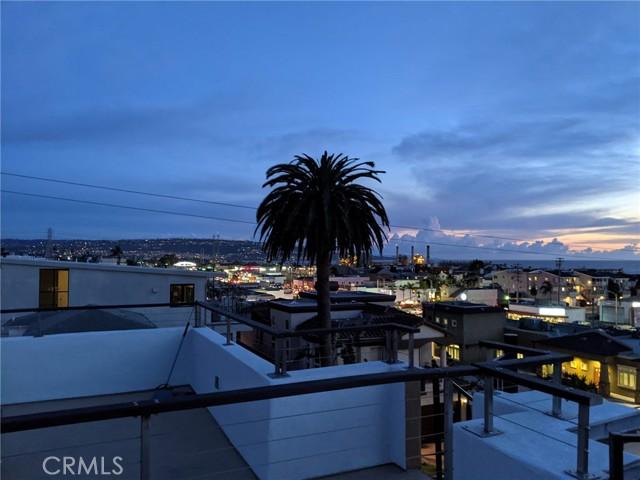 831 6th Street 2, Hermosa Beach, California 90254, 2 Bedrooms Bedrooms, ,1 BathroomBathrooms,For Rent,6th,SB21045007