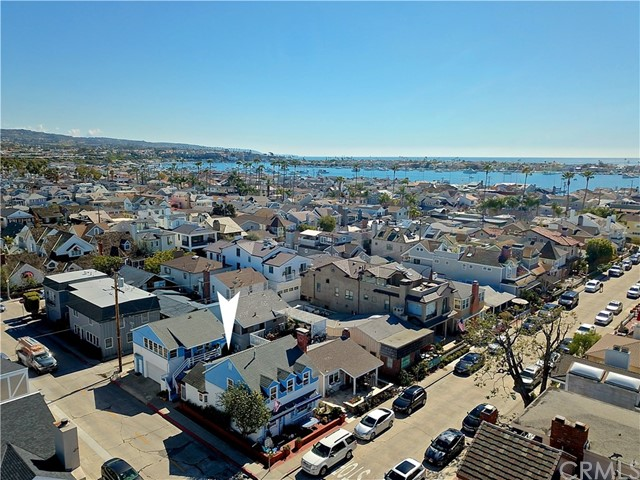 226 Sapphire Avenue, Newport Beach, CA 92662