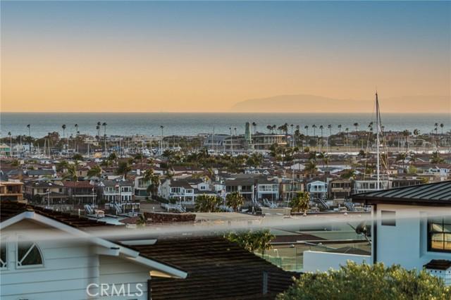 23. 660 Kings Road Newport Beach, CA 92663
