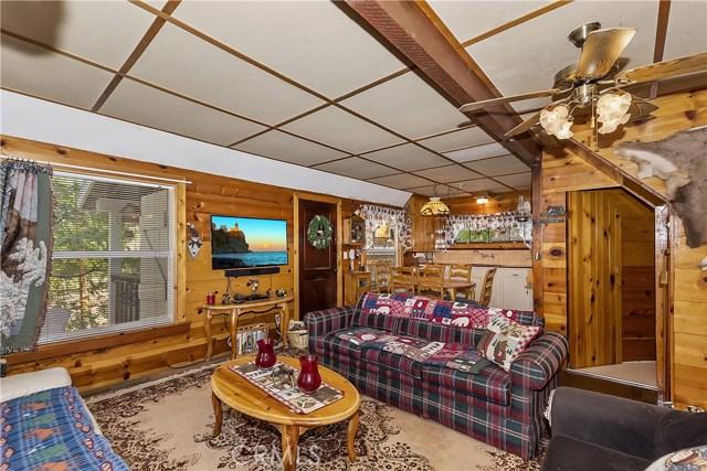 33785 Cedar Pines Ln, Green Valley Lake, CA 92341 Photo 6