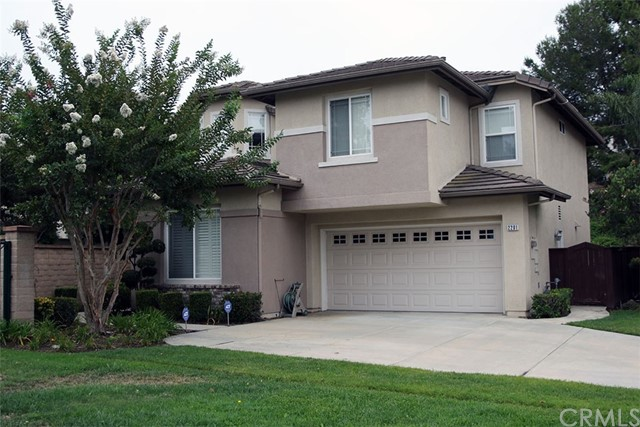 2201 Jeans Court, Signal Hill, CA 90755