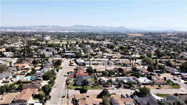 5618 Golondrina Drive, San Bernardino CA: https://media.crmls.org/medias/162b16fc-73d3-44e5-b9ce-2ce168829aef.jpg