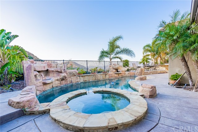2396  Sageleaf Circle, Corona, California