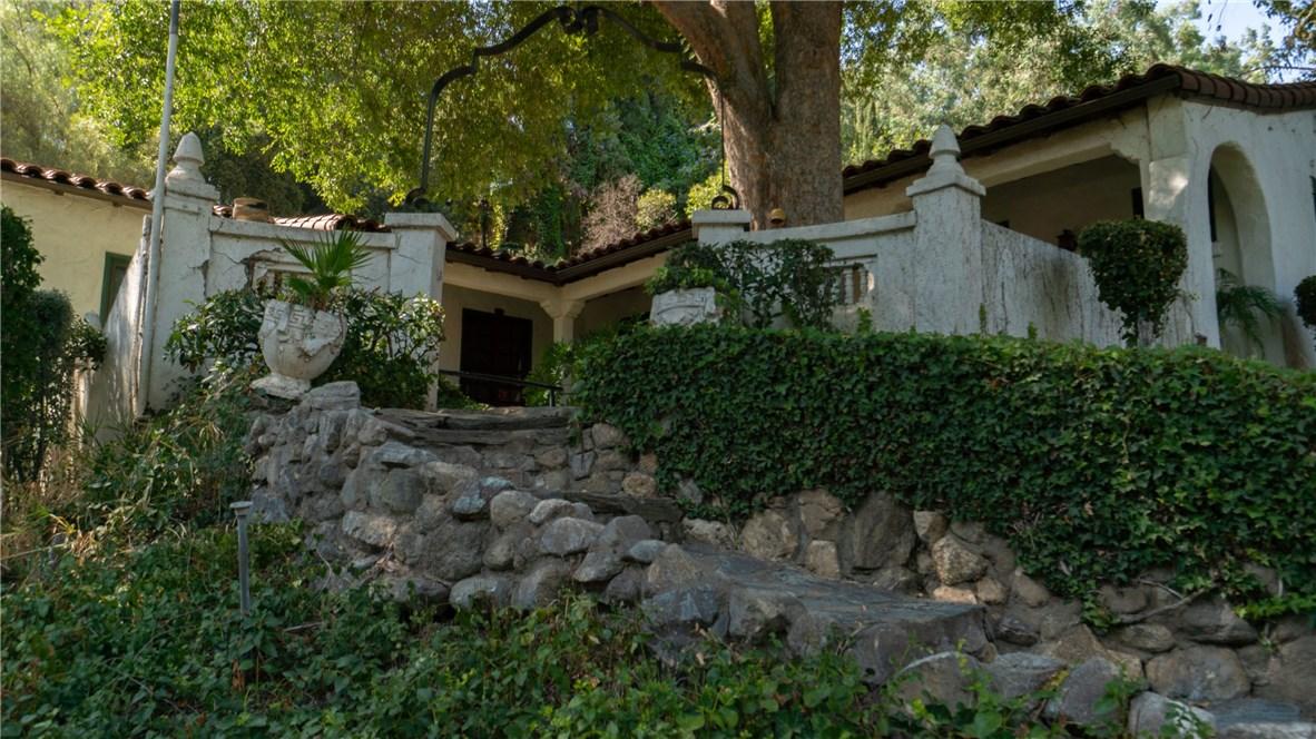 758 W Edgehill Road, San Bernardino, CA 92405