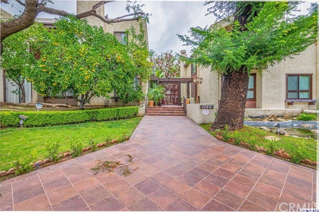 1244 Valley View Road 129, Glendale, CA 91202