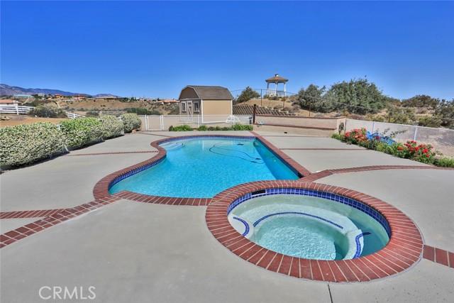 10224 Whitehaven St, Oak Hills, CA 92344 Photo 36