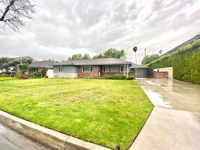 Beautiful single family located in city of Arcadia. It consists 3 bedrooms, 2 bathrooms. Large bright windows in family room. Fireplaces in living room and family room. Big front and backyard. 2-car detached garage with driveway. The property is in Arcadia school district.