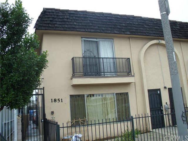 1851 chestnut Avenue, Long Beach, CA 90806