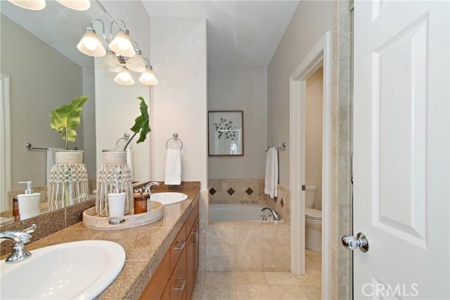 229 Aviation Place, Manhattan Beach, California 90266, 3 Bedrooms Bedrooms, ,2 BathroomsBathrooms,For Sale,Aviation,PV21063167