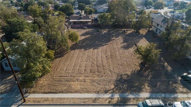 2569 S Holloway Avenue, Fresno, CA 93725