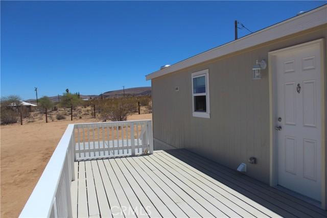 29. 415 INCA Trail Yucca Valley, CA 92284