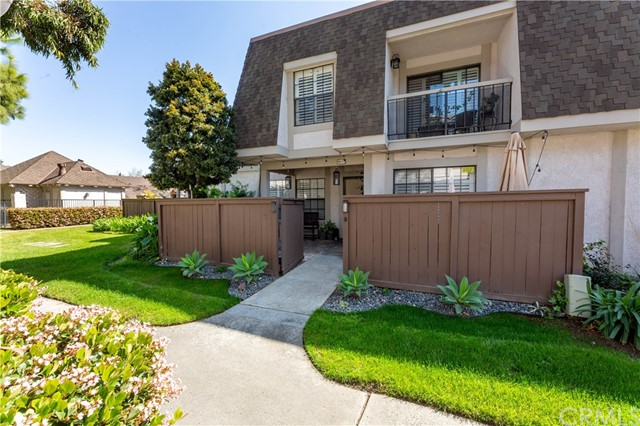 Property for sale at 9052 Brownstone Circle Unit: 55, Cypress,  California 90630
