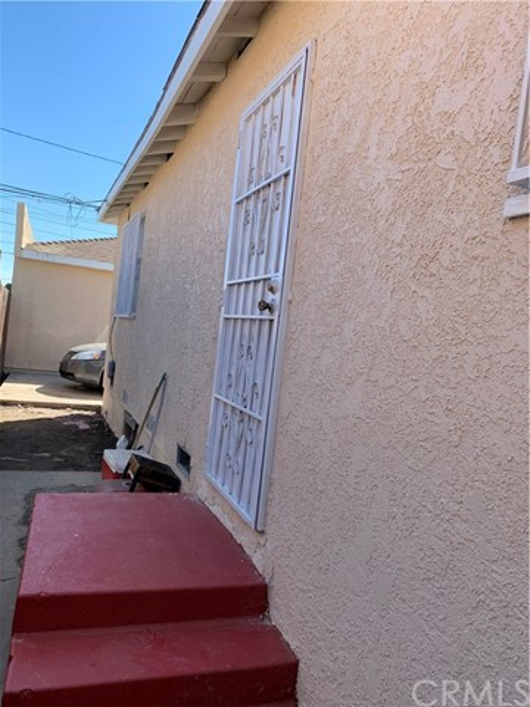 11138 Belhaven Street, Los Angeles, CA 90059