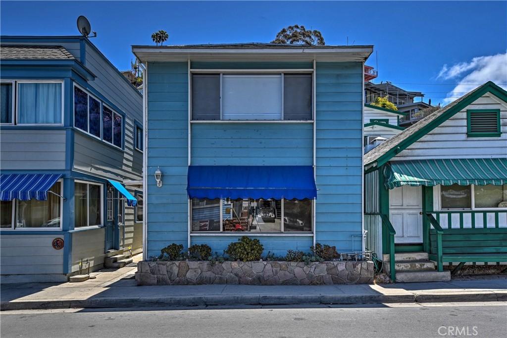 Photo of 210 Claressa Avenue, Avalon, CA 90704