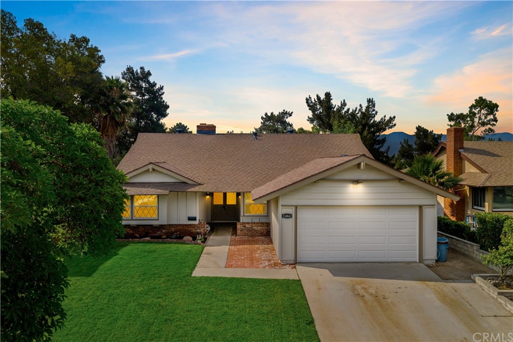 1464     Del Norte Drive, Corona CA 92879