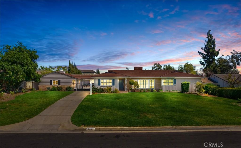Photo of 736 Vallombrosa Drive, Pasadena, CA 91107