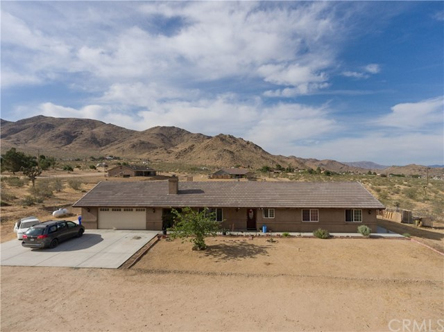 25389 Clark Road, Apple Valley, CA 92307