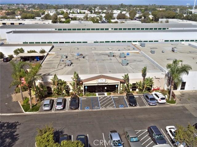 1040 W 17th Street, Costa Mesa, CA 92627