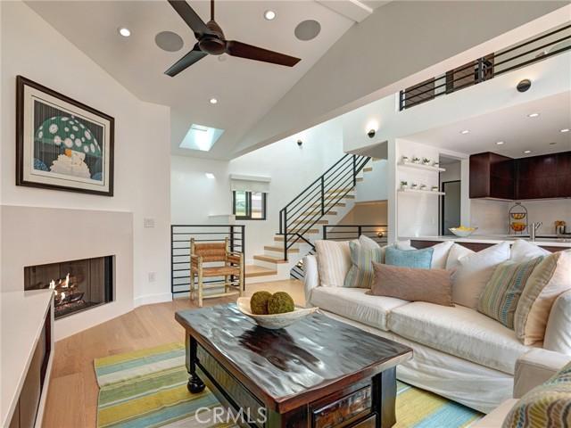 132 Monterey Boulevard, Hermosa Beach, California 90254, 3 Bedrooms Bedrooms, ,3 BathroomsBathrooms,For Sale,Monterey,SB21056529