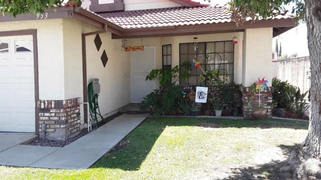 953 W Thornton Avenue, Hemet, CA 92543