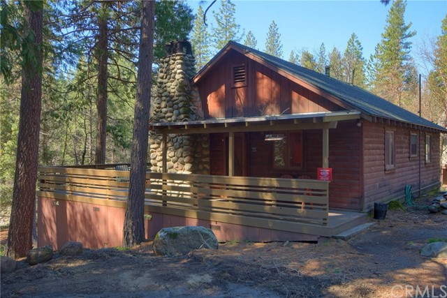 2573 River Road, Wawona, CA 95389