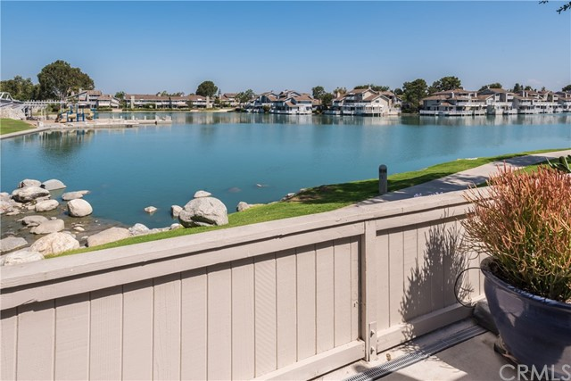 17 Springwood 44, Irvine, CA 92604