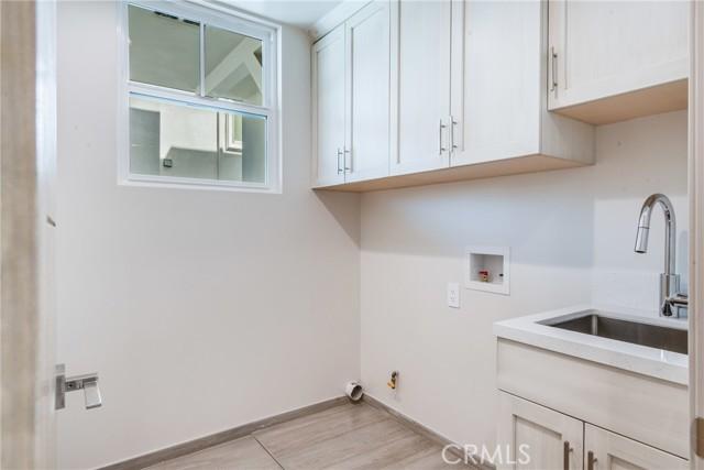 216 Lucia Ave A, Redondo Beach, California 90277, 4 Bedrooms Bedrooms, ,3 BathroomsBathrooms,For Sale,Lucia Ave,SB21050970