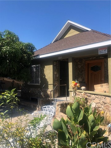 3215 E 4th Street, East Los Angeles, CA 90063