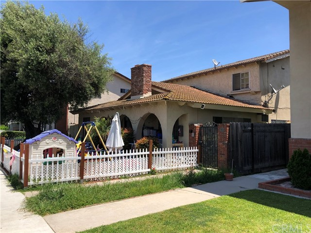 364 Freeman Avenue, Long Beach, CA 90814