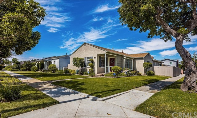 3289 Chestnut Avenue, Long Beach, CA 90806