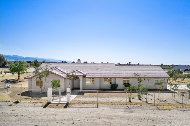 12940 Valle Vista Road, Phelan, CA 92371